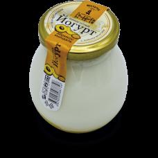 Йогурт термостатный с абрикосом и миндалем 2,4% 0,24 кг