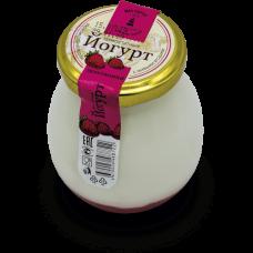 Йогурт термостатный с земляникой 2,4% 0,24 кг